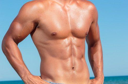 come ridurre il grasso sul seno maschile